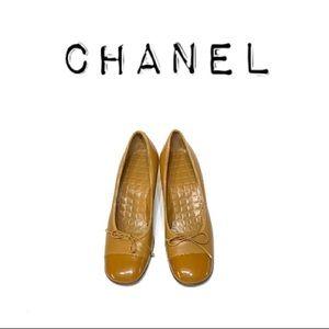 Chanel Caramel bow Square toe Kitten Heels